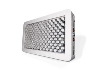 De Platinum P450 LED-groeilamp beschikt over 11-bandsspectrumtechnologie